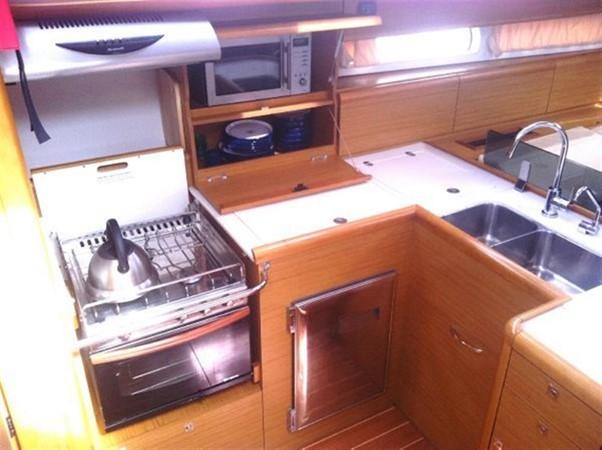 2010 JEANNEAU 53 Motorsailor 424042