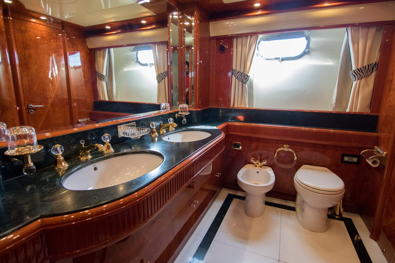 2003 ASTONDOA 95 GLX Motor Yacht 2762551
