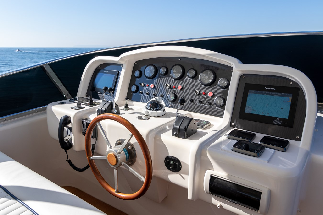 2003 ASTONDOA 95 GLX Motor Yacht 2762552