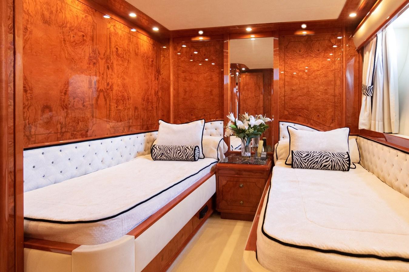 2003 ASTONDOA 95 GLX Motor Yacht 2762555