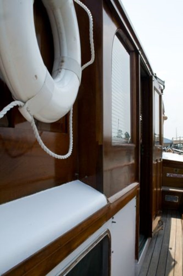 53' Elco - Walkway - 53 ELCO MARINE For Sale