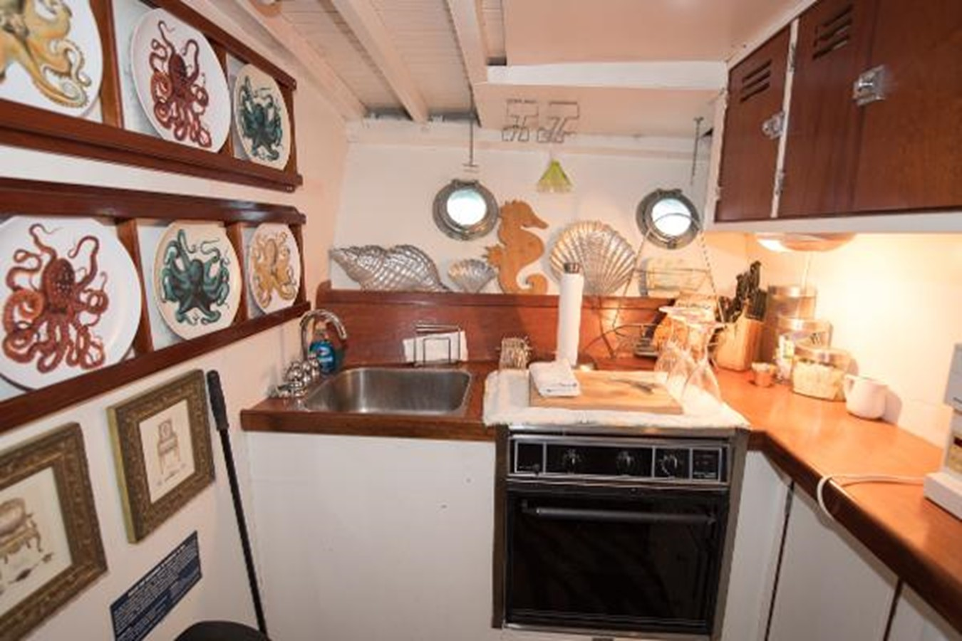 53' Elco - Galley - 53 ELCO MARINE For Sale