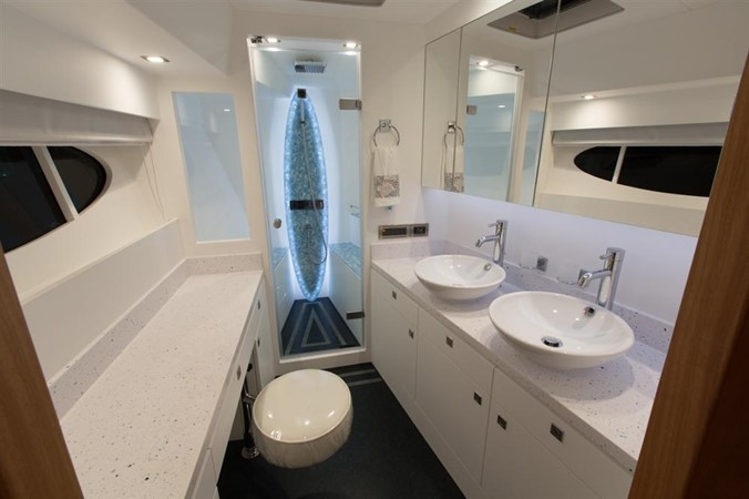 Master Bath 2013 HORIZON HORIZON PC60 Catamaran 665189