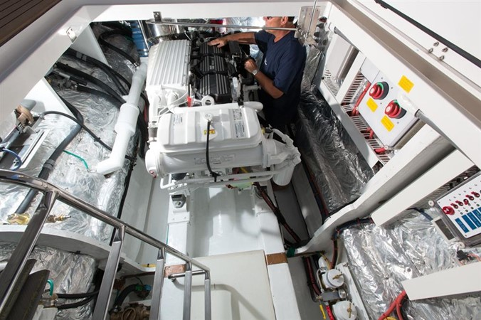 Engine Room 2013 HORIZON HORIZON PC60 Catamaran 665215