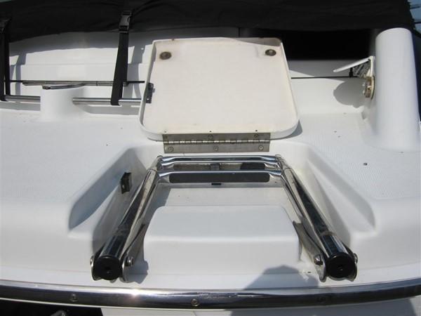 2005 FORMULA  Deck Boat 671163