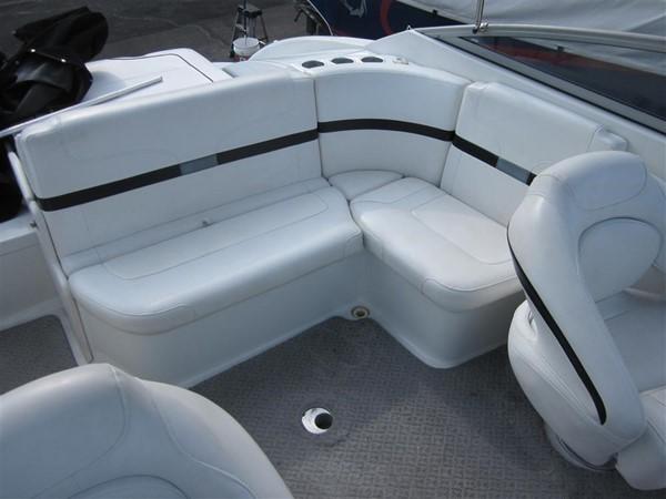 2005 FORMULA  Deck Boat 671179