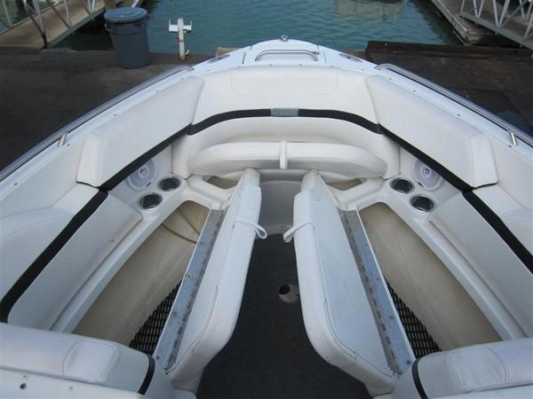 2005 FORMULA  Deck Boat 671187