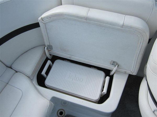 2005 FORMULA  Deck Boat 671189
