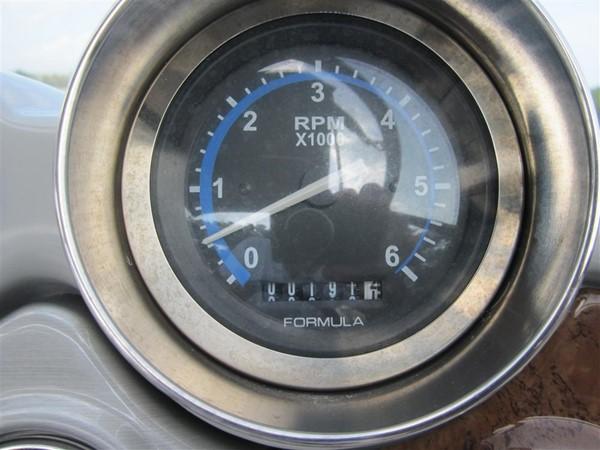 2005 FORMULA  Deck Boat 671190