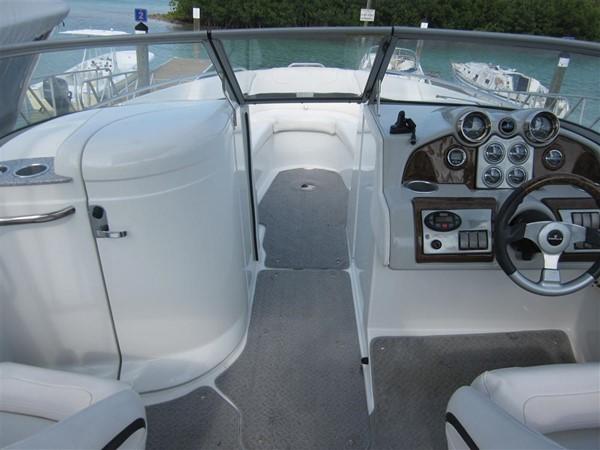 2005 FORMULA  Deck Boat 671192