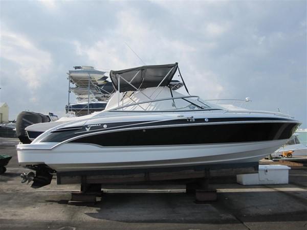 2005 FORMULA  Deck Boat 671214