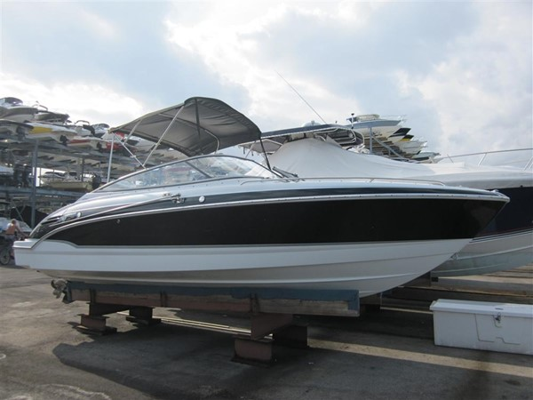 2005 FORMULA  Deck Boat 671218