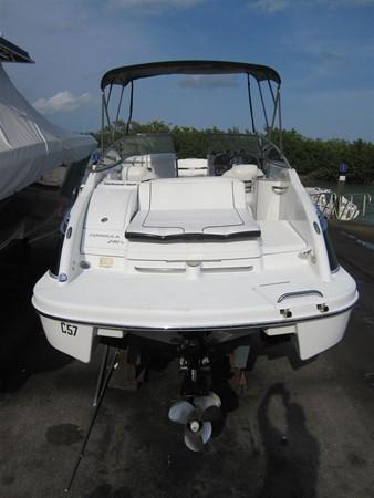 2005 FORMULA  Deck Boat 671222