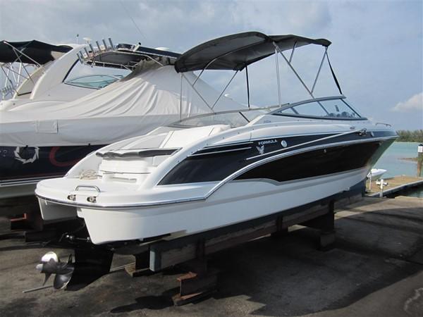 2005 FORMULA  Deck Boat 671223
