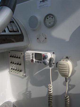 2005 FORMULA  Deck Boat 671224