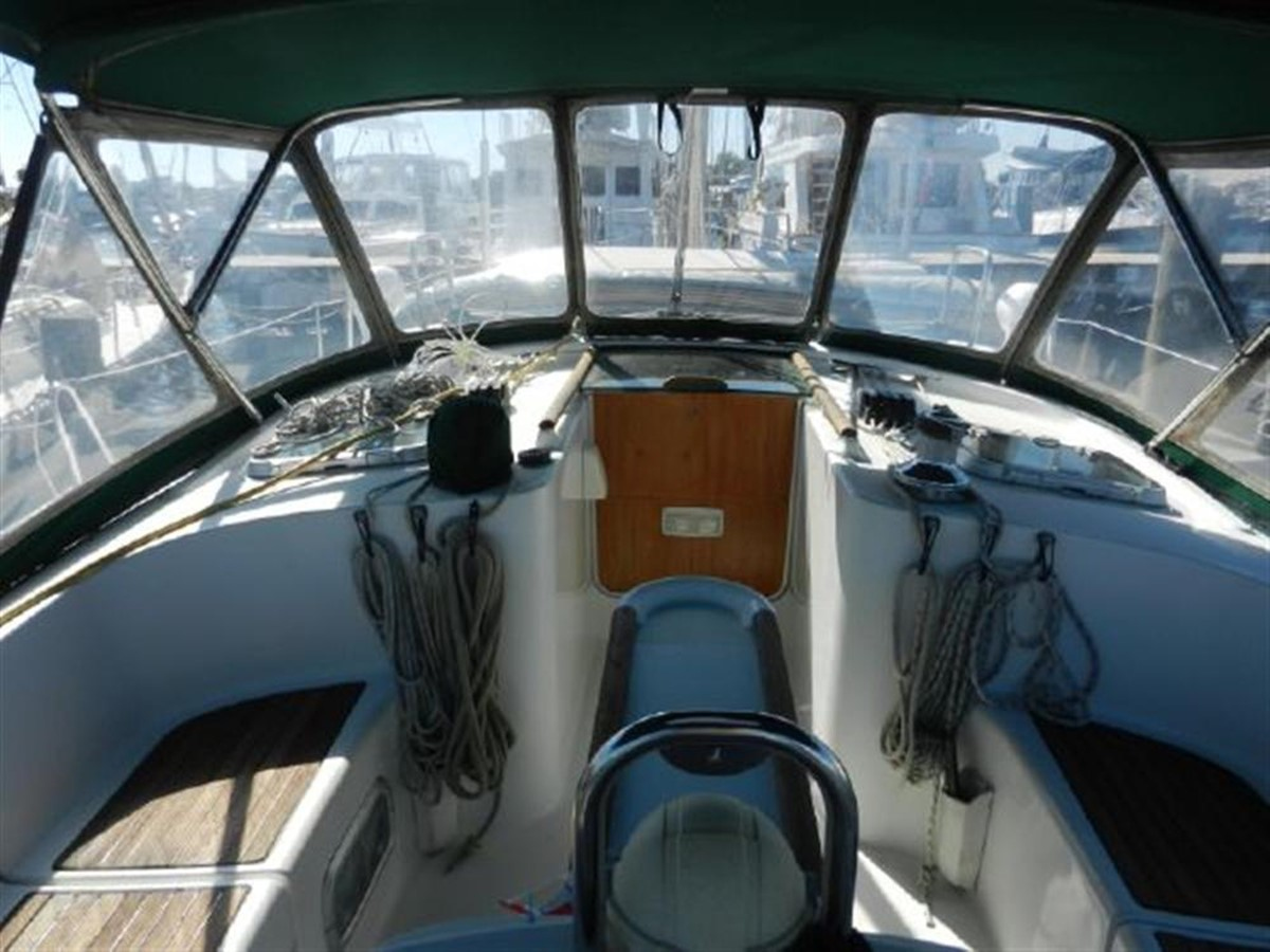 Photo6 2000 BENETEAU  Cruising Sailboat 681628