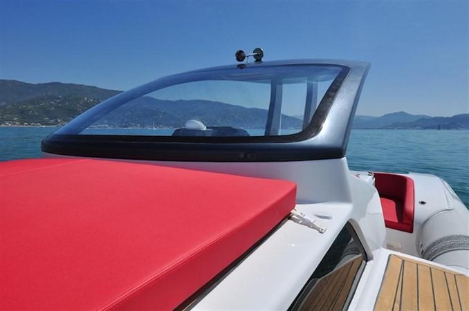 2018 Pirelli PZero 1400 Cabin Tender 682000