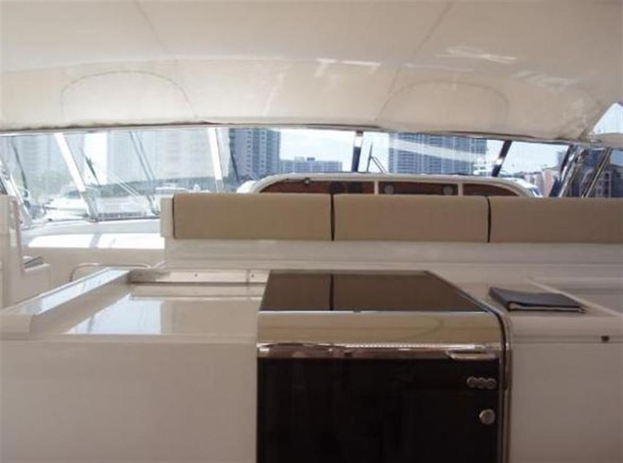 Galley 2 2002 OVERMARINE GROUP MANGUSTA Cruiser 729818
