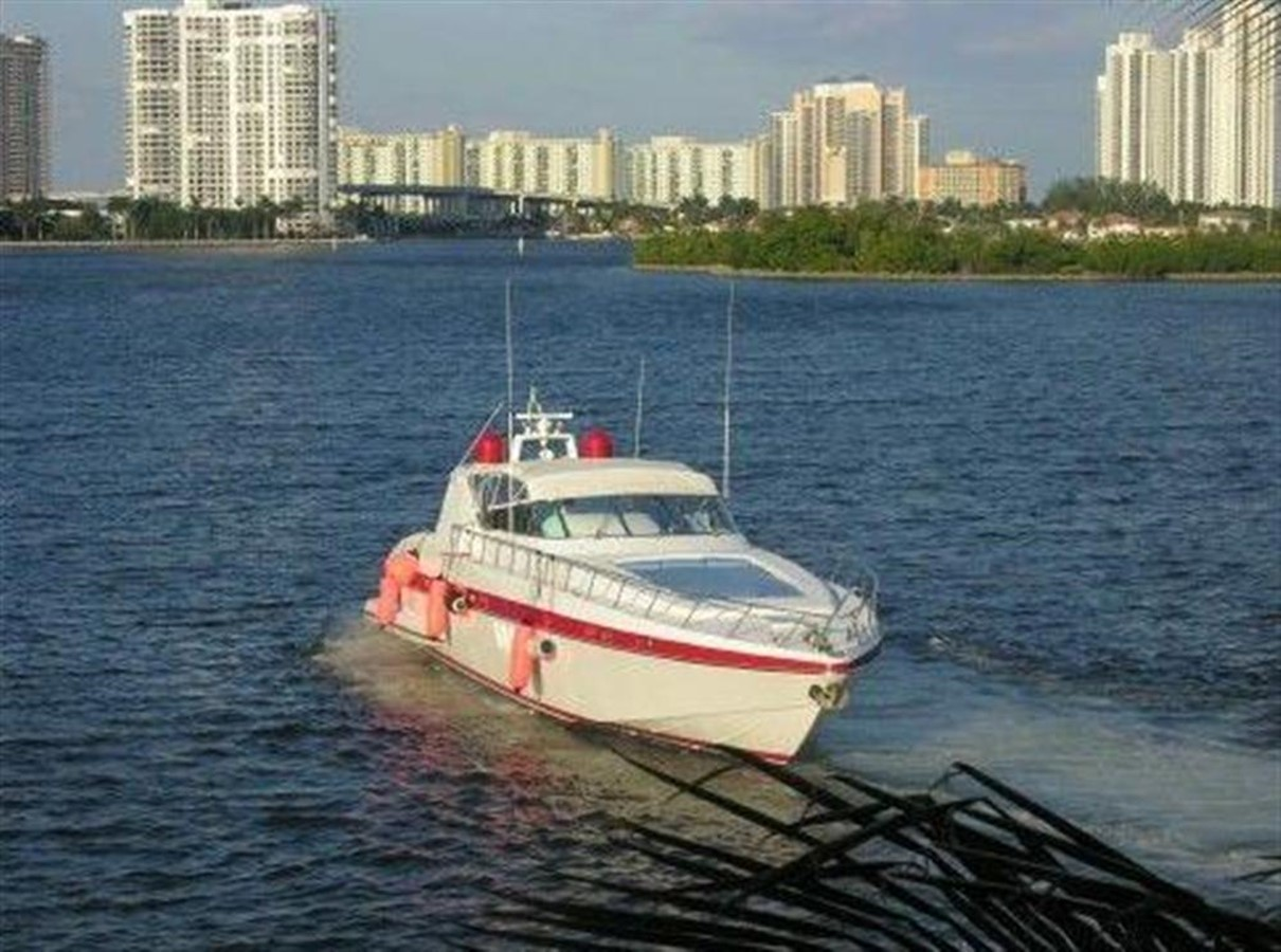 Running Shot 2 2002 OVERMARINE GROUP MANGUSTA Cruiser 729823