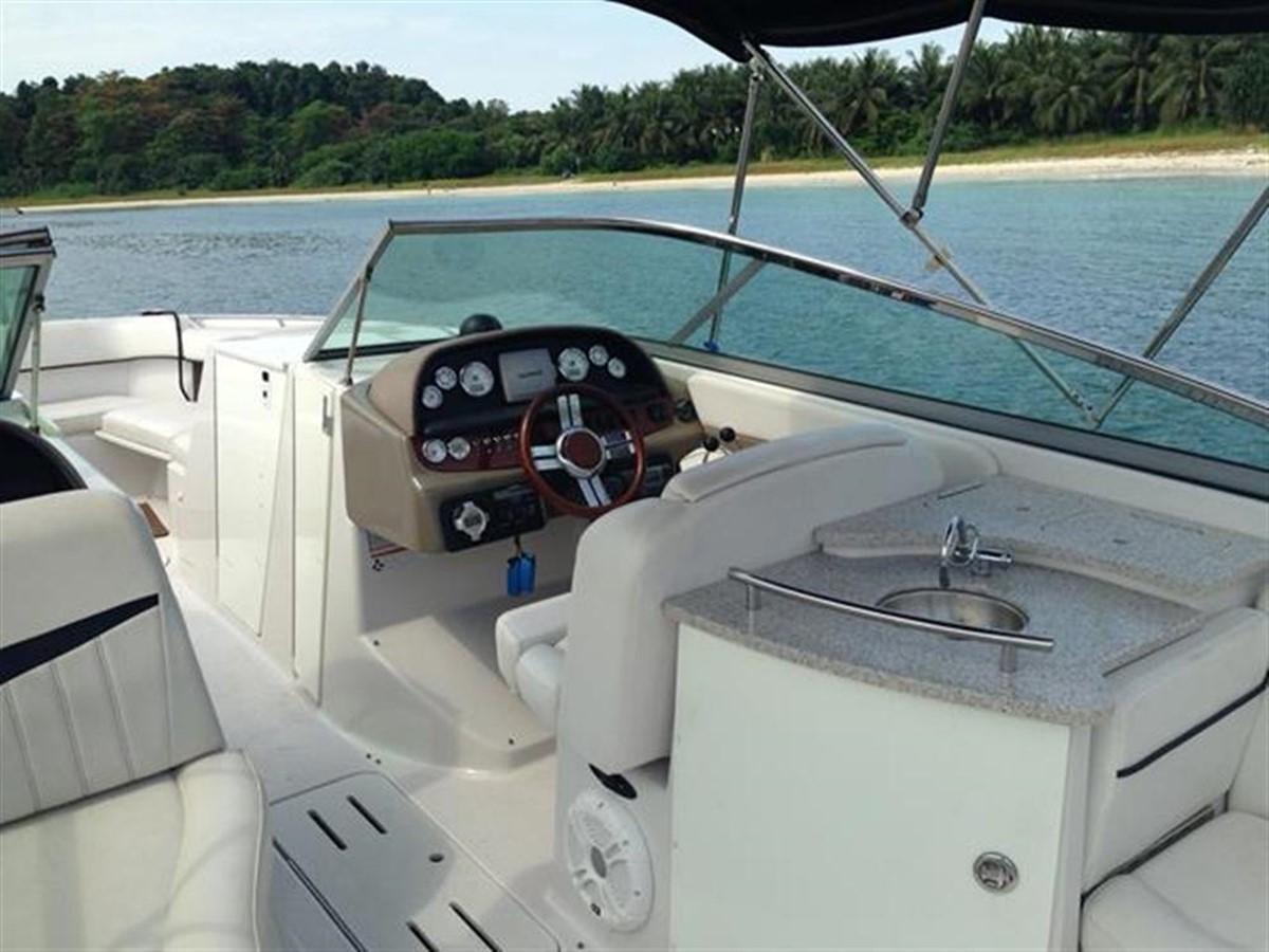2010 FOUR WINNS Four Winns H310 Motor Yacht 797980