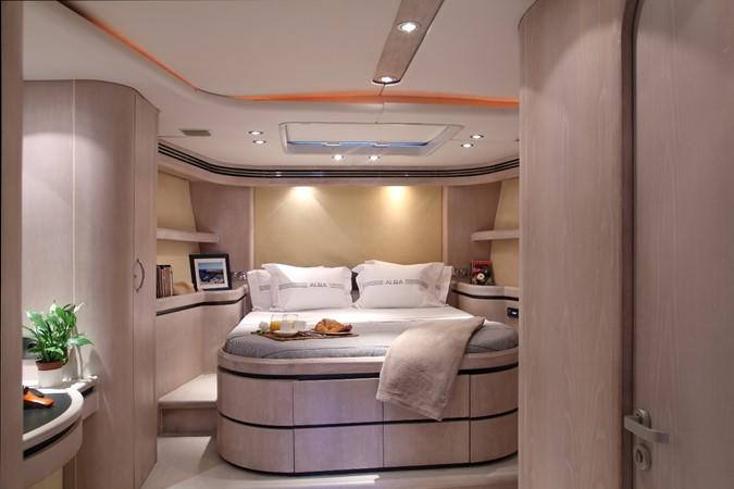 Owner stateroom 2000 GREEN MARINE, U.K. Super Maxi Fast Cruiser Cruising Sailboat 874045