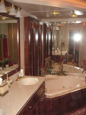 2006 FANTASY YACHTS 100 Wide Body Houseboat 894823