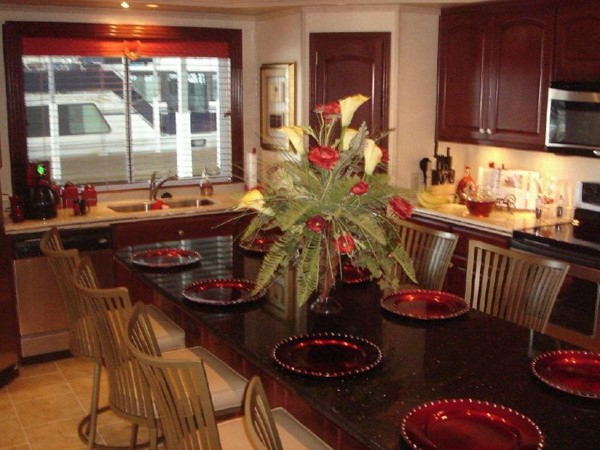 2006 FANTASY YACHTS 100 Wide Body Houseboat 894827