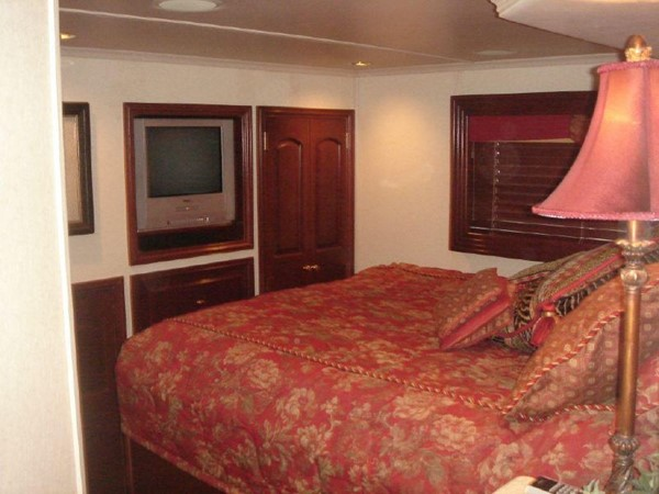 2006 FANTASY YACHTS 100 Wide Body Houseboat 894832