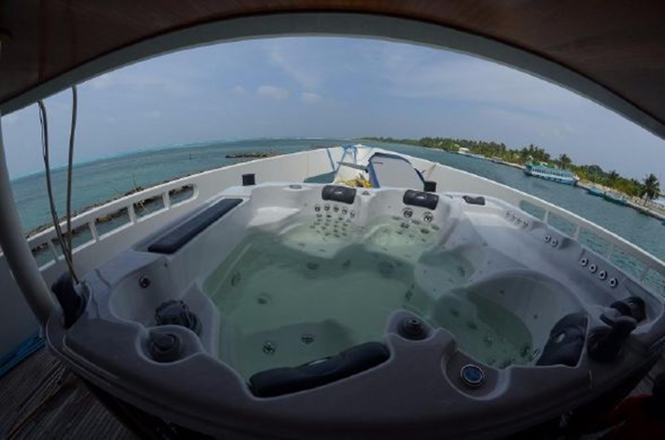 No Name yacht for sale