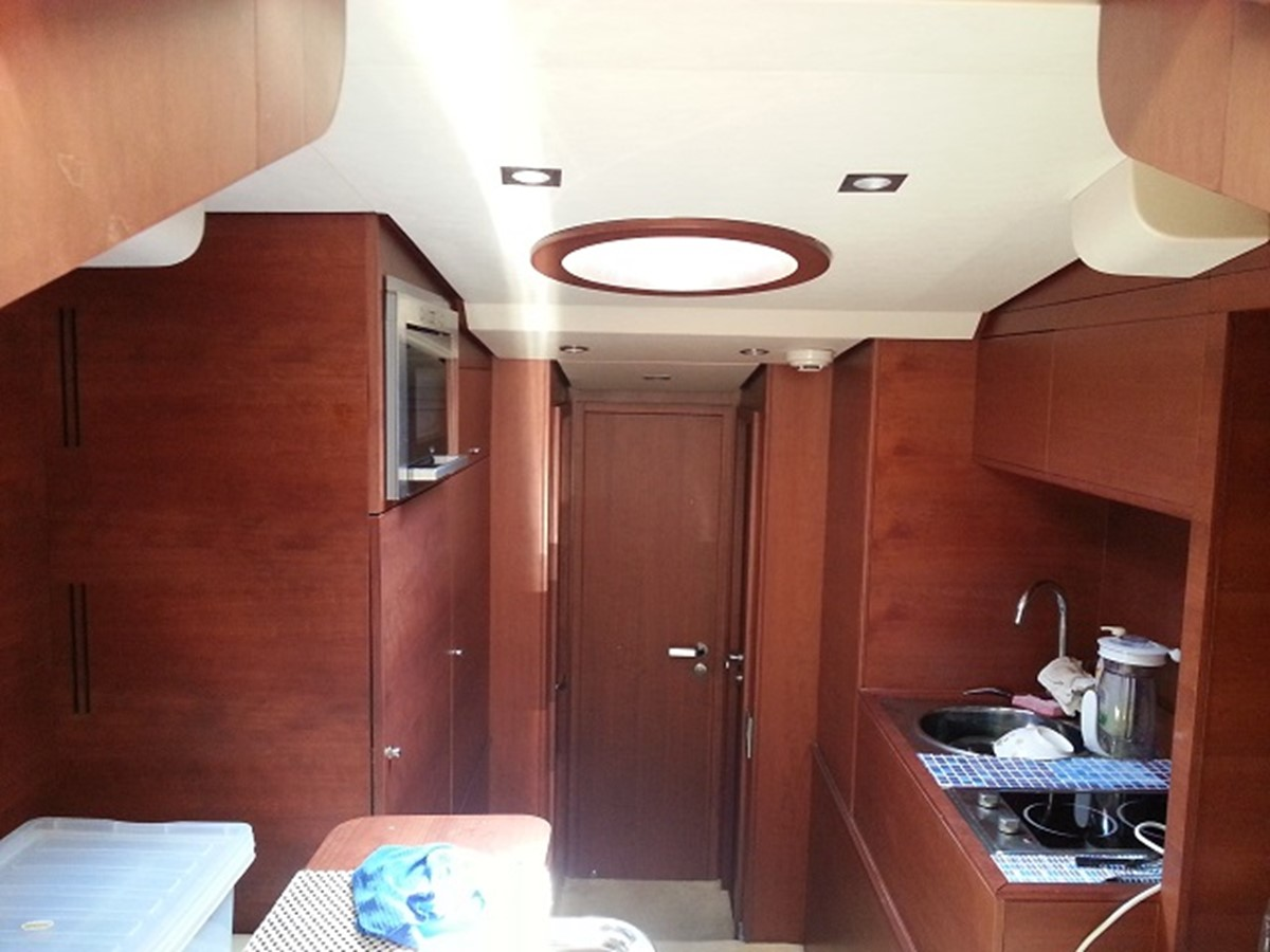 Aicon 85 Flybridge - Kitchen (Sink) 2010 AICON YACHTS 2010 Aicon 85 Flybridge Motor Yacht 920317