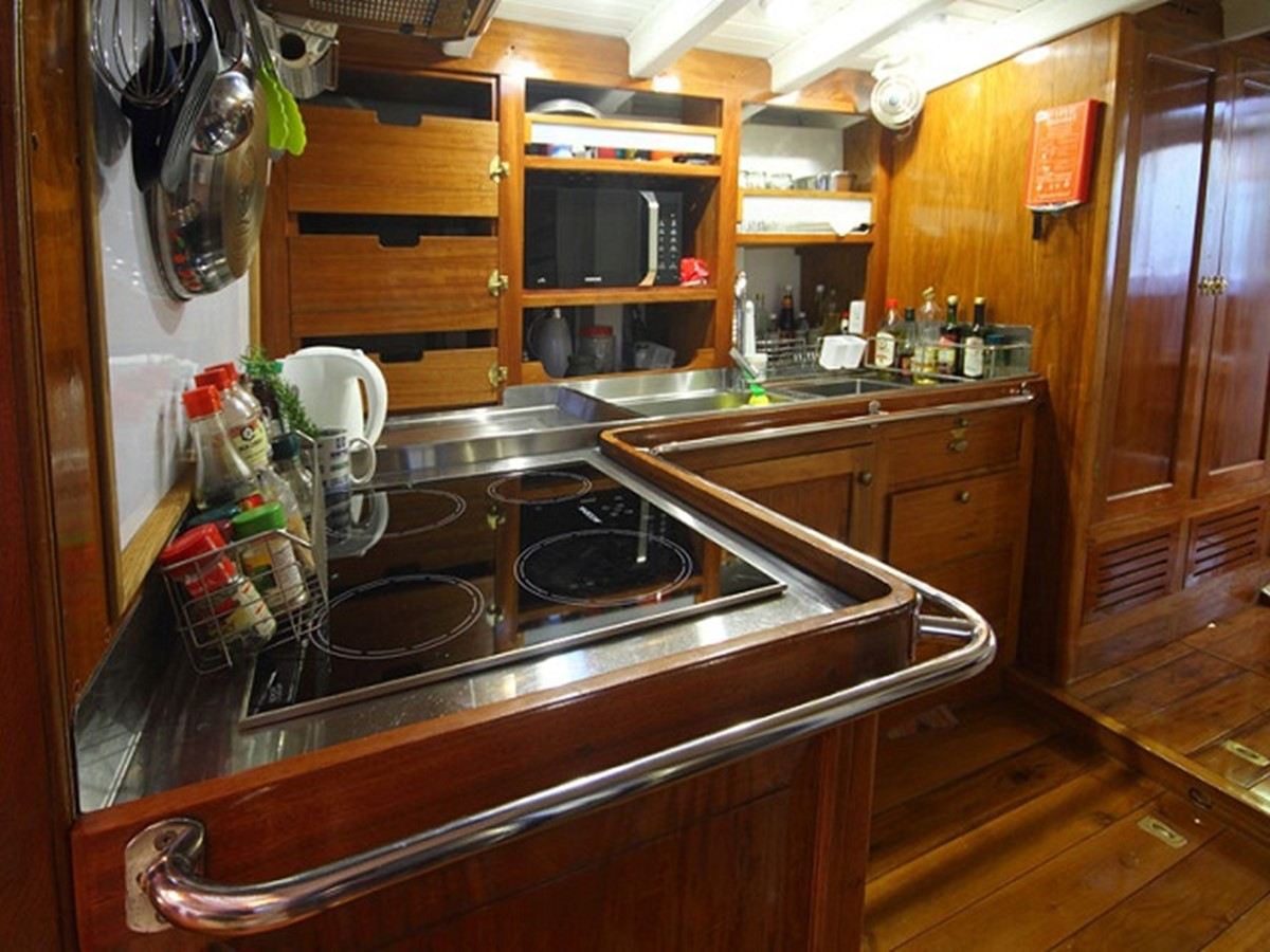 Ketch Classic Yacht 28m - Galley 2011 CUSTOM BUILT  Classic Yacht 934098