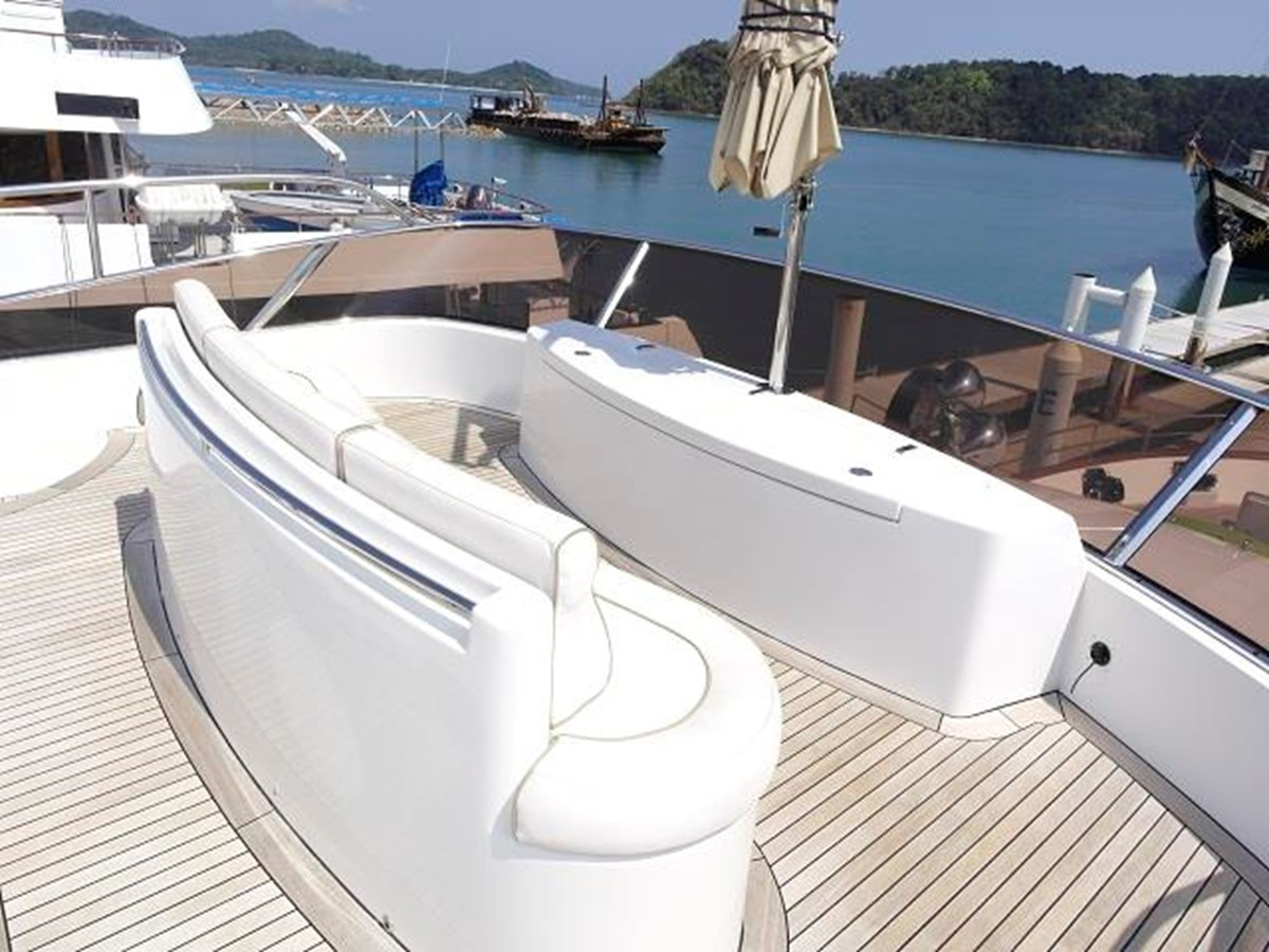Azimut Benetti Tradition 100 - Seat 2009 BENETTI Tradition 100 Motor Yacht 937233