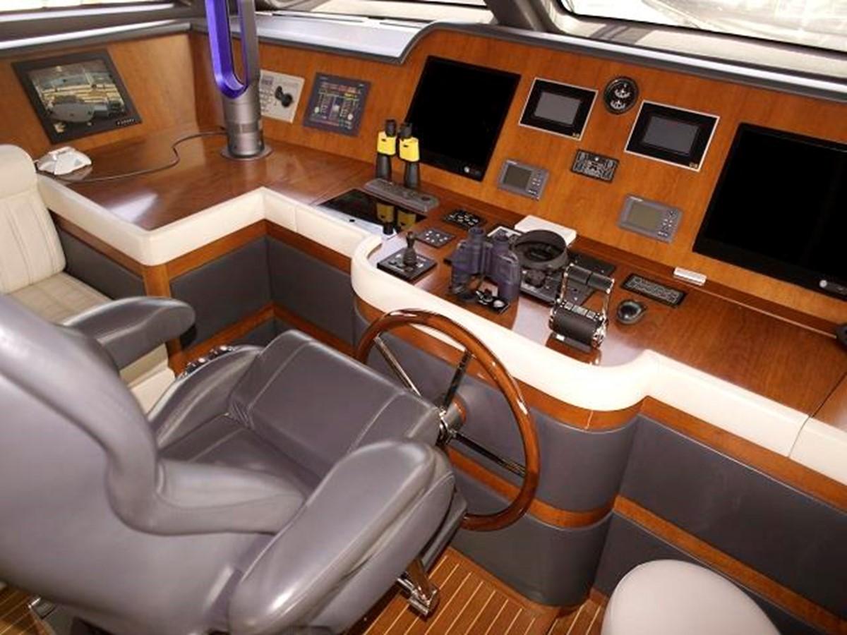 Azimut Benetti Tradition 100 - Helm Station 2009 BENETTI Tradition 100 Motor Yacht 937236