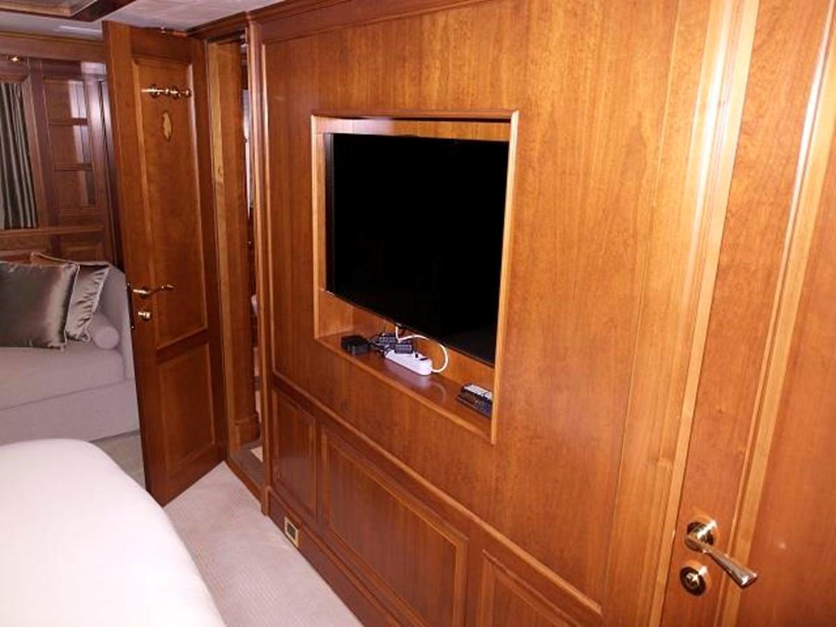 Azimut Benetti Tradition 100 - Master Cabin 2009 BENETTI Tradition 100 Motor Yacht 937243