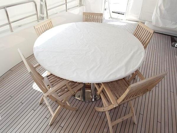 Azimut Benetti Tradition 100 - Table 2009 BENETTI Tradition 100 Motor Yacht 937235