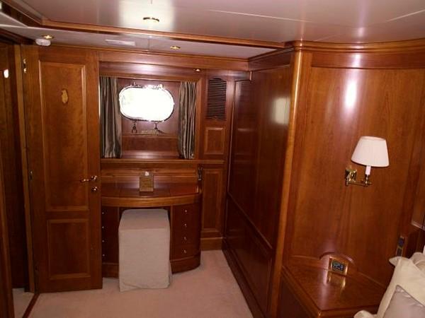 Azimut Benetti Tradition 100 - Master Cabin 2009 BENETTI Tradition 100 Motor Yacht 937242
