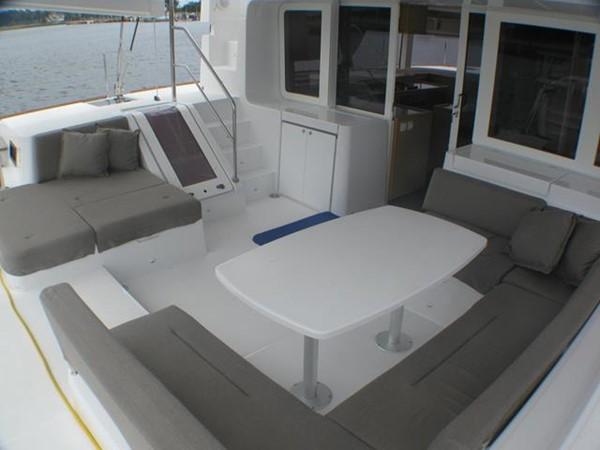 Lagoon 52 - aft  deck cockpit 2014 LAGOON  Cruising Sailboat 959795