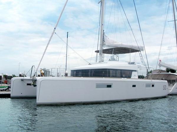 Lagoon 52 - Profile 2014 LAGOON  Cruising Sailboat 968076