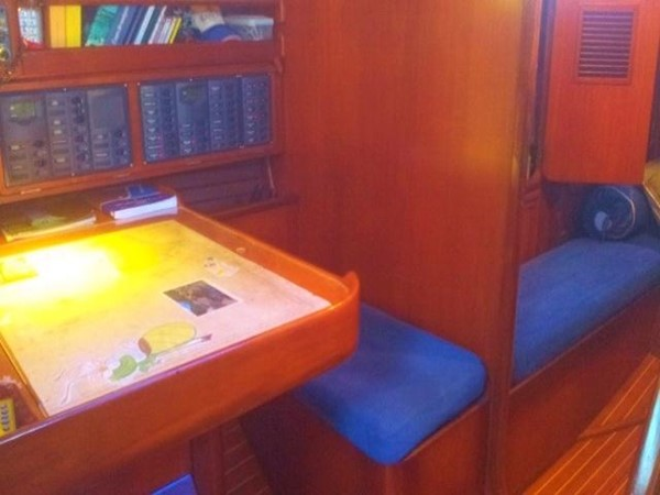 Beneteau First 51S  - chart table 1987 BENETEAU  Cruising Sailboat 961807