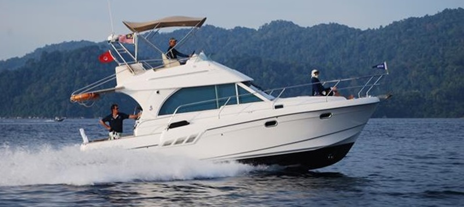 2007 BENETEAU Beneteau Antares 9.8 Motor Yacht 1012700