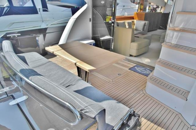 2012 SUNSEEKER Manhattan 63 Motor Yacht 1064074