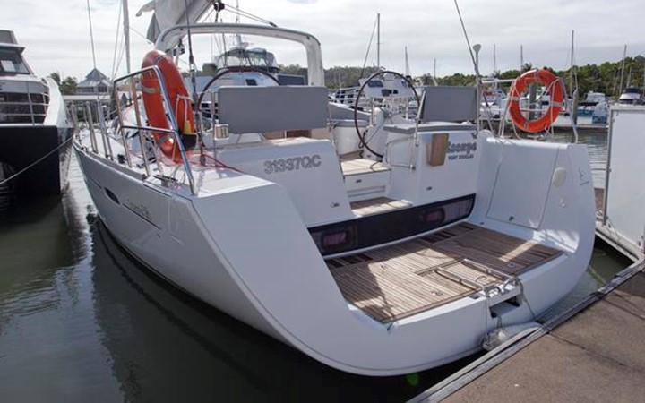 2011 BENETEAU Oceanis 58 Cruising Sailboat 1065915