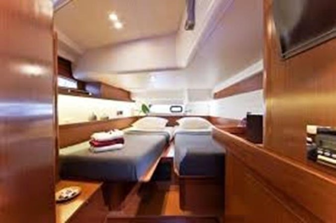 2011 BENETEAU Oceanis 58 Cruising Sailboat 1065916