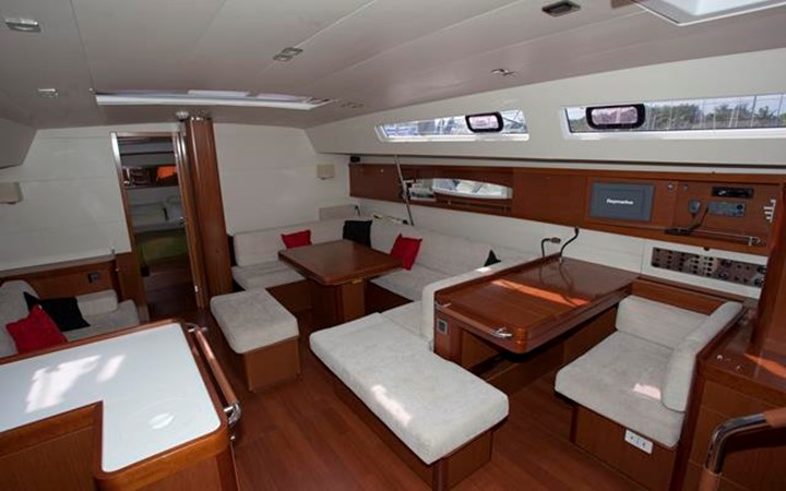 2011 BENETEAU Oceanis 58 Cruising Sailboat 1065920