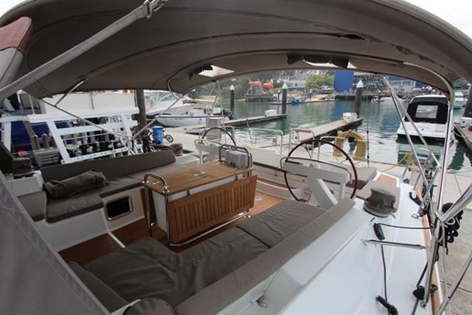 2010 JEANNEAU 57 Cruising Sailboat 1079262