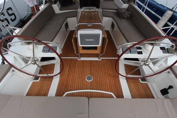 2010 JEANNEAU 57 Cruising Sailboat 1079266