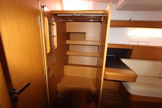 2010 JEANNEAU 57 Cruising Sailboat 1079270