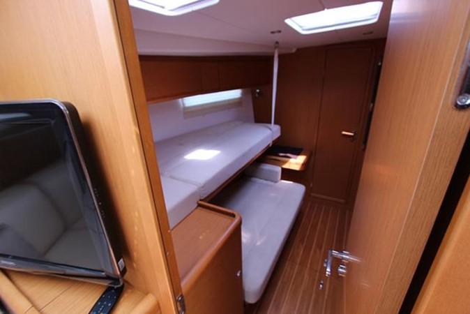 2010 JEANNEAU 57 Cruising Sailboat 1079272