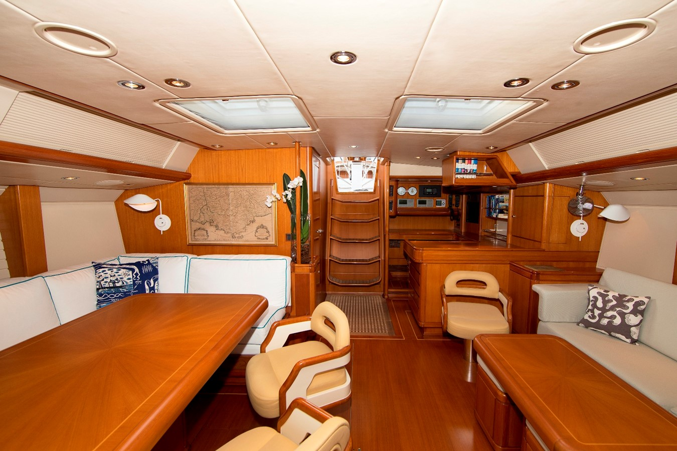 saloon 1992 ROYAL HUISMAN 84' Cruising Sailboat 1092155