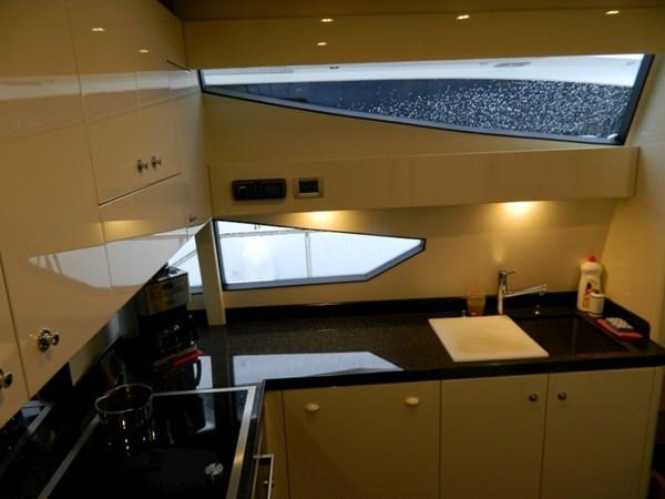 2011 FERRETTI 830 Mega Yacht 1095017
